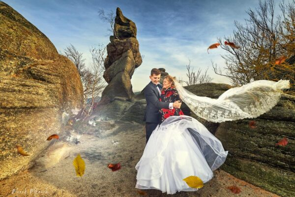 Plenerowa sesja ślubna w górach – Rudawy Janowickie w Sudetach.